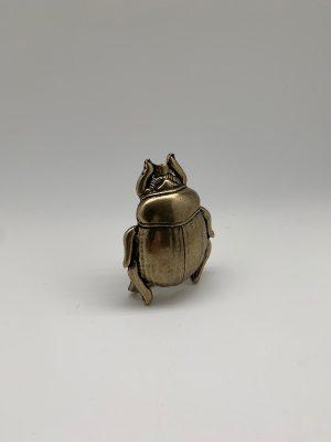 Hebilla de escarabajo dorado